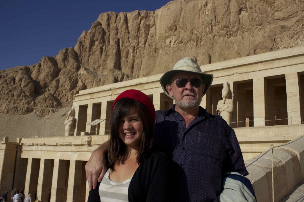 Seamus and Meadhbh in front of the Hatshepsut temple.
