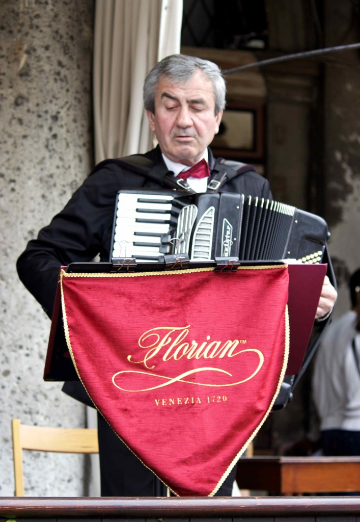 The accordionist at the Florian.