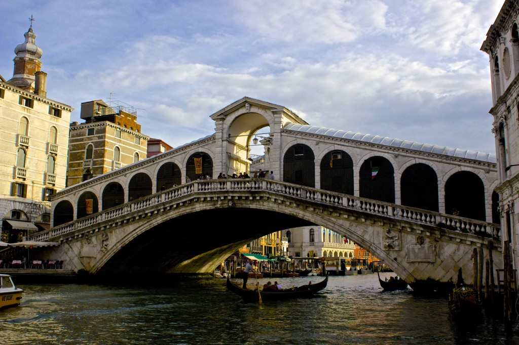 The lesser-seen side of the Rialto.